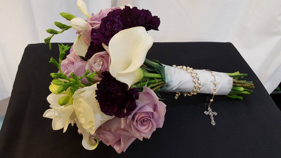 lilies and roses wedding bouquets photo - 1