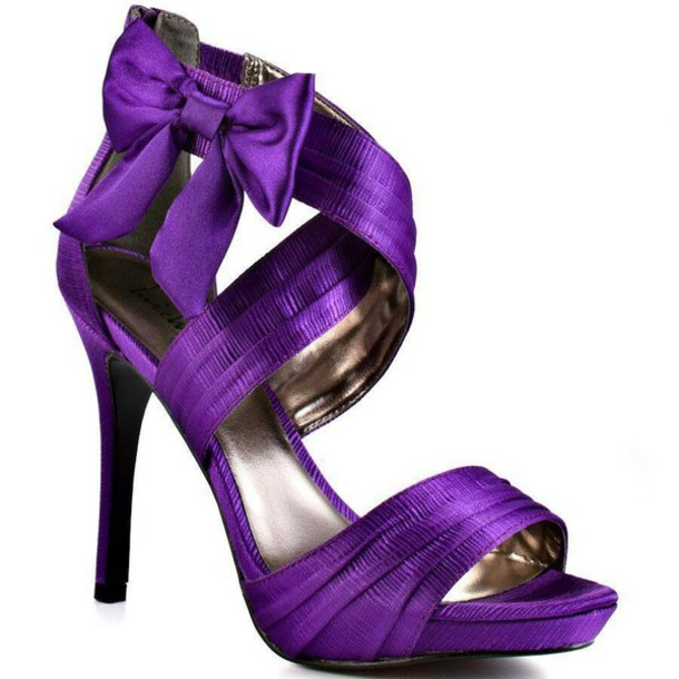 magenta shoes for wedding photo - 1