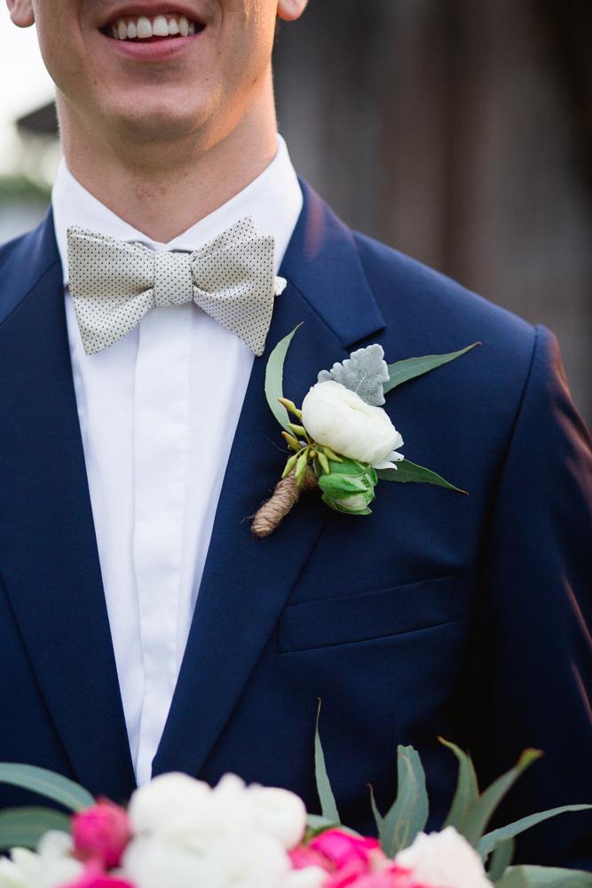 mens wedding flower photo - 1