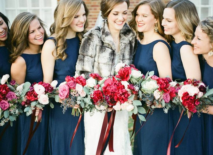 navy and white wedding bouquets photo - 1