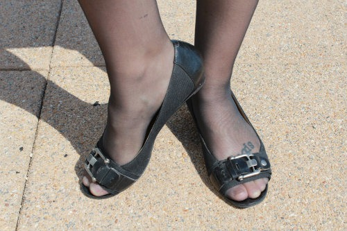 open toed flat wedding shoes photo - 1