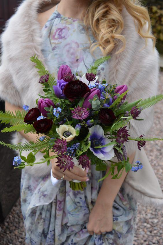 orange and blue wedding bouquets photo - 1