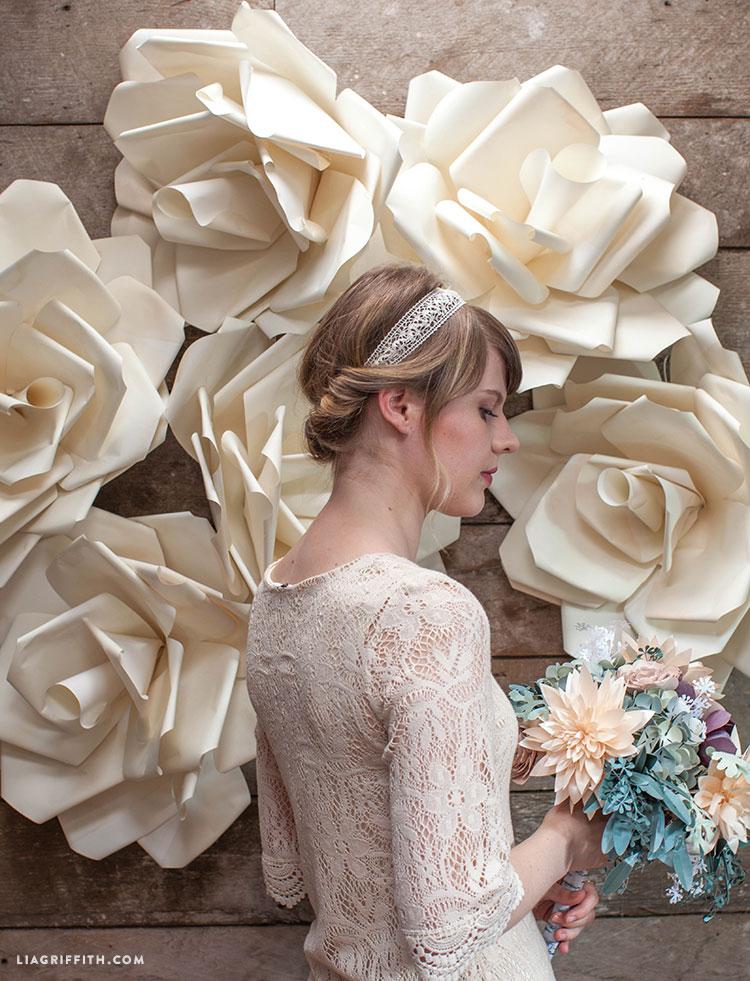 paper flower wedding backdrop photo - 1