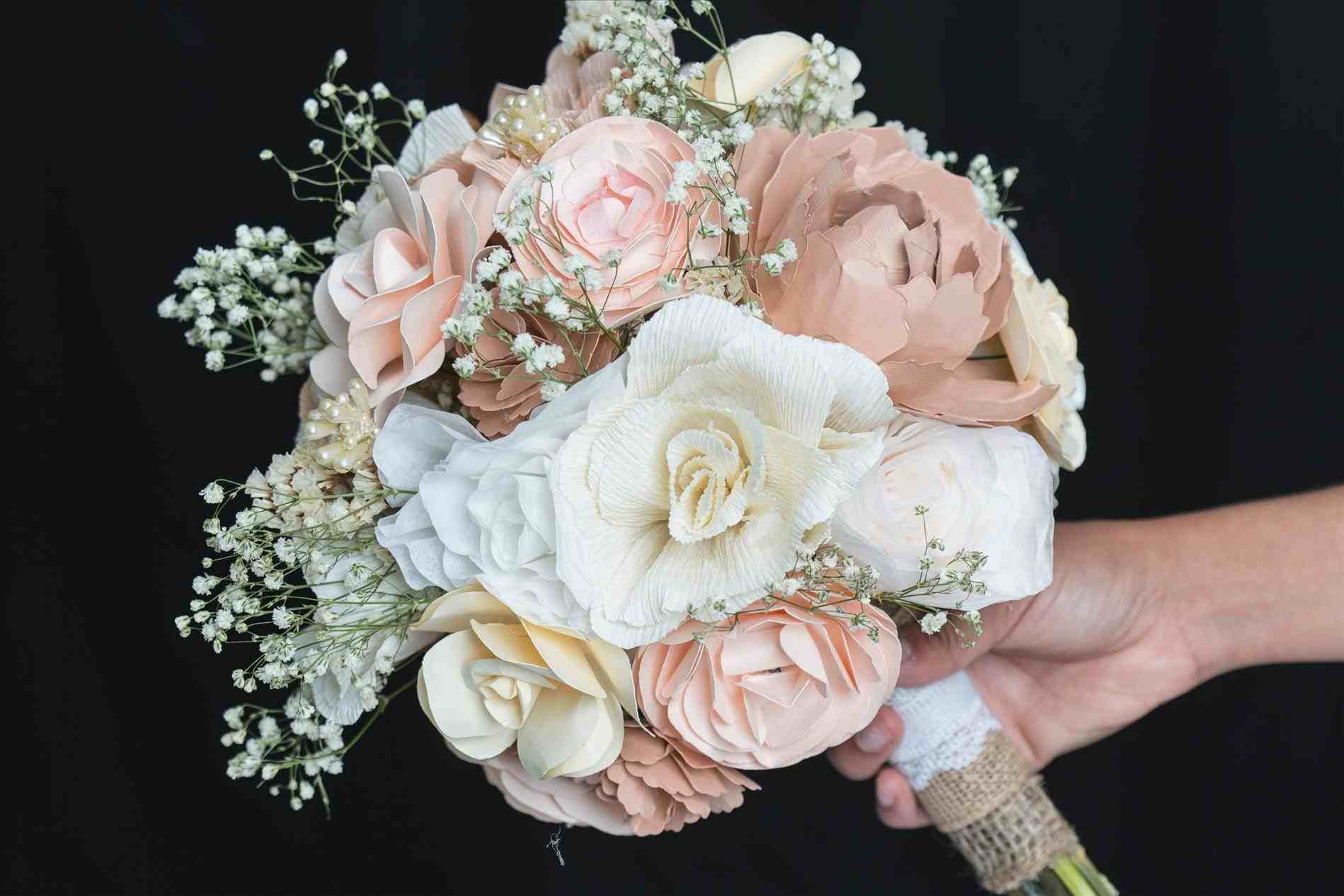 paper flowers for wedding photo - 1