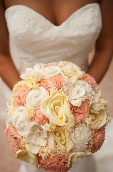peach and ivory wedding bouquets photo - 1