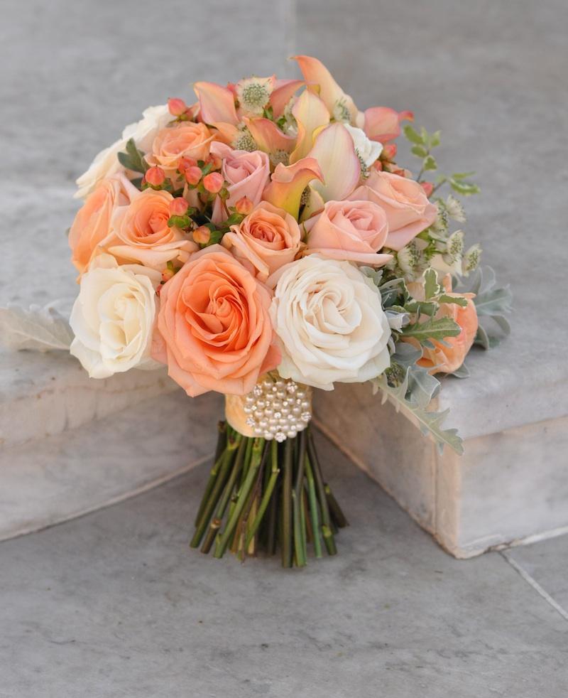 peach wedding bouquets photo - 1