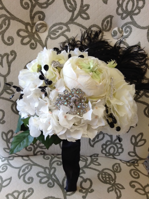 peacock feather wedding bouquets photo - 1