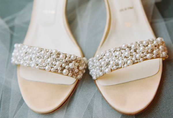 pearl bridal shoes photo - 1