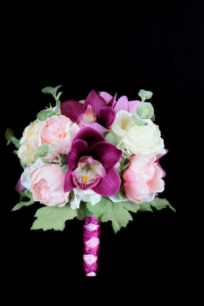 peony wedding bouquets photo - 1