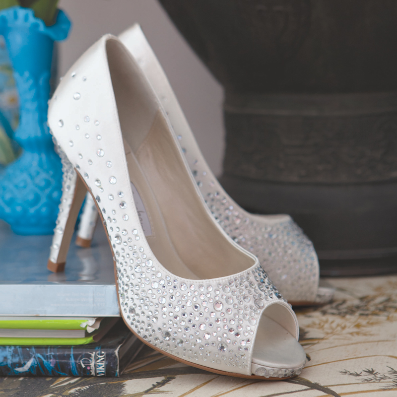 perfect wedding shoes photo - 1