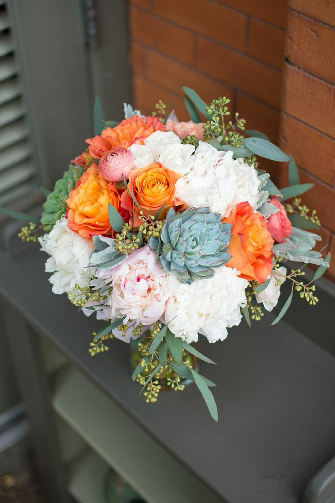 pink and green wedding bouquets photo - 1