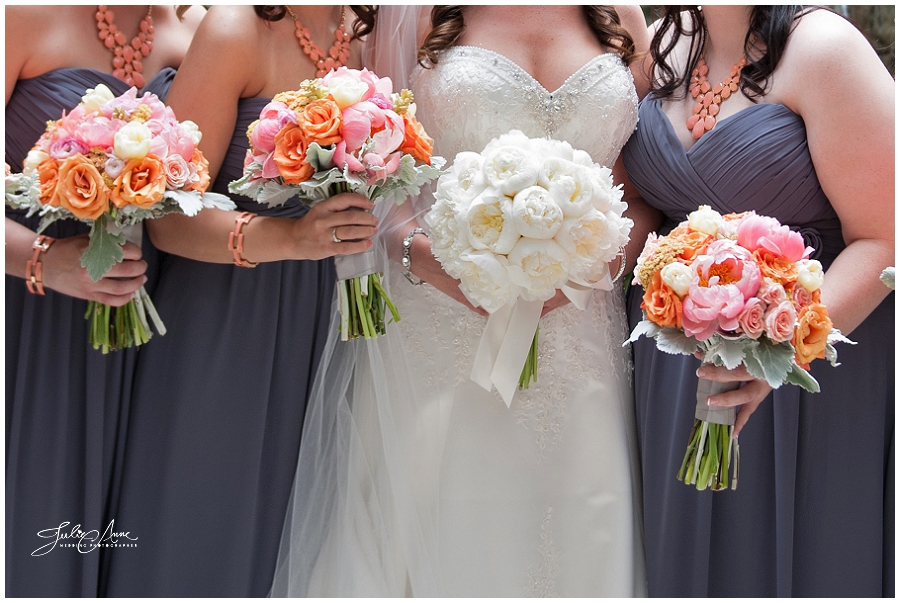 pink and white wedding bouquet photo - 1