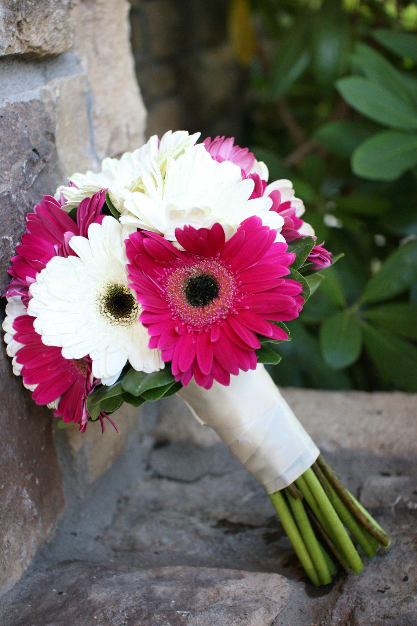 pink gerbera daisy wedding bouquets photo - 1