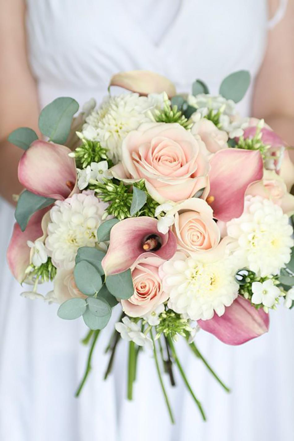 pink wedding flower photo - 1