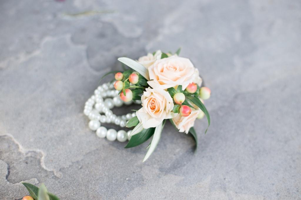 pink wedding flowers photo - 1