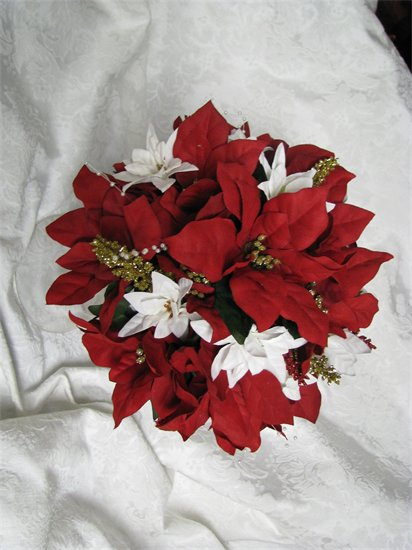 poinsettia wedding bouquets photo - 1