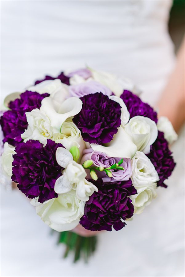 purple and black wedding bouquets photo - 1