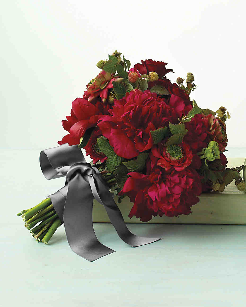red and silver wedding bouquets photo - 1