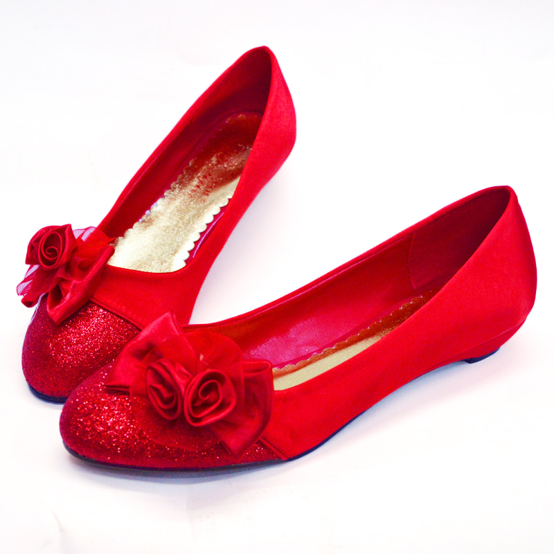 red flat wedding shoes photo - 1