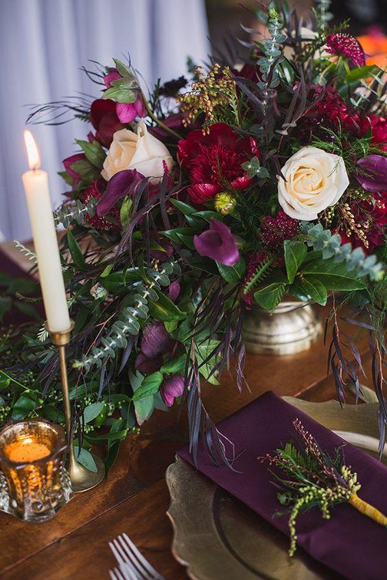 red wedding flower photo - 1