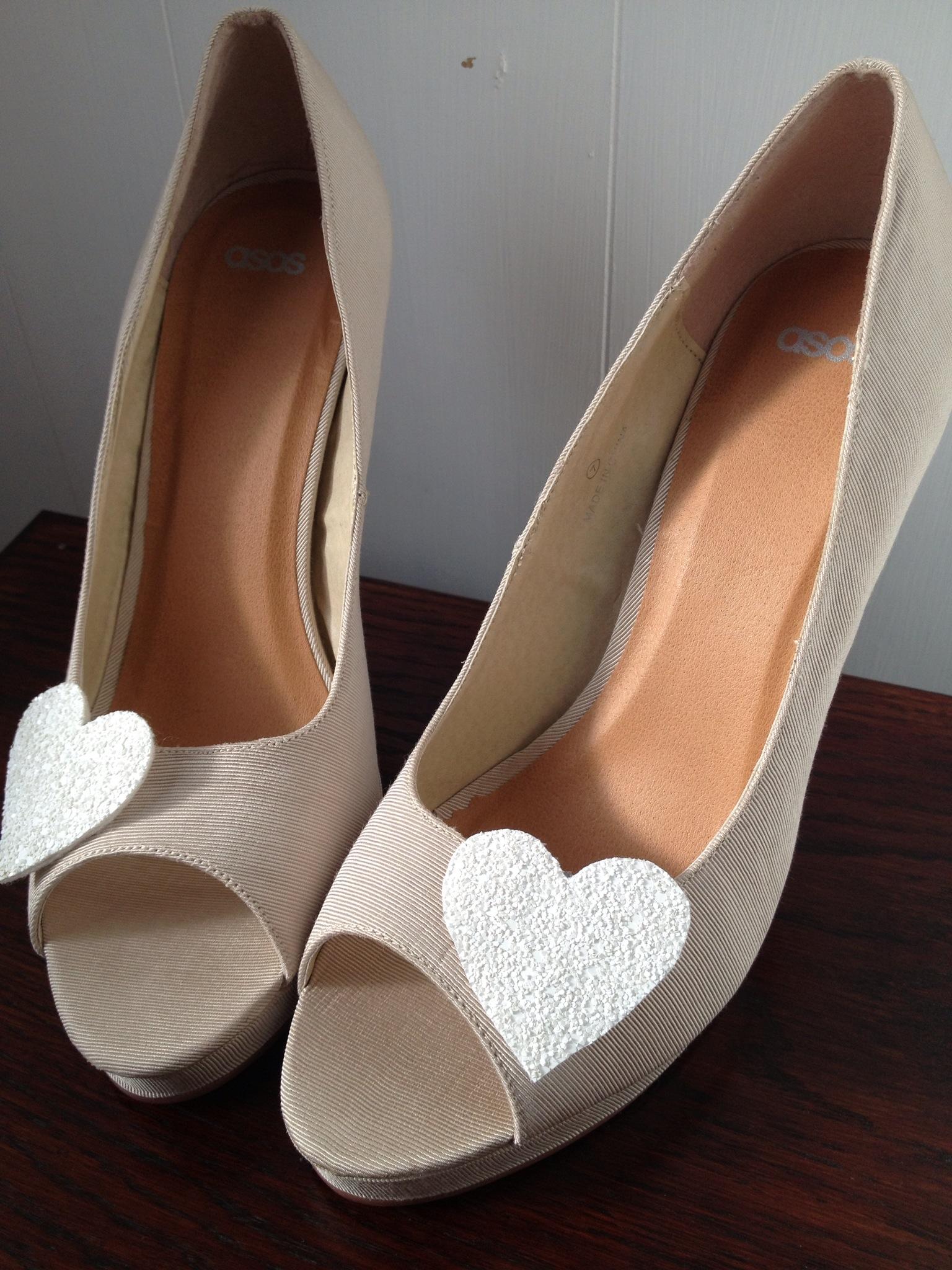 retro bridal shoes photo - 1