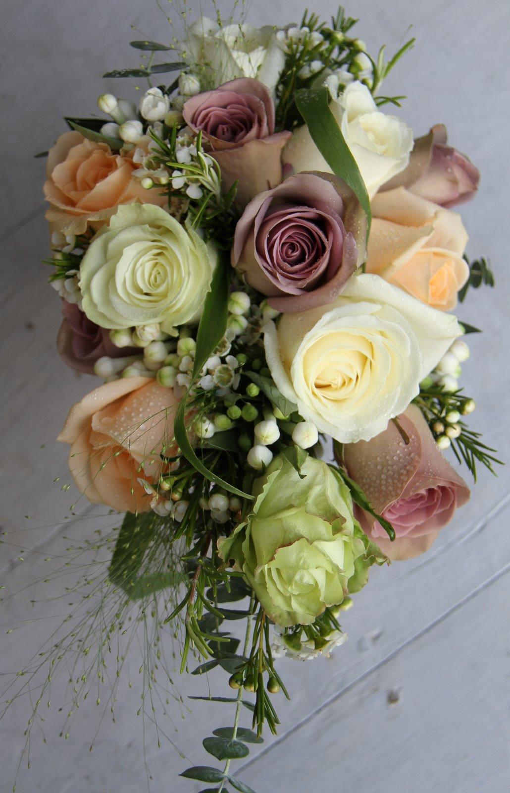 rose bridal bouquets photo - 1