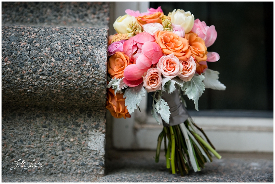 roses bouquet wedding photo - 1