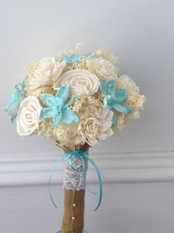 seashell wedding bouquet photo - 1