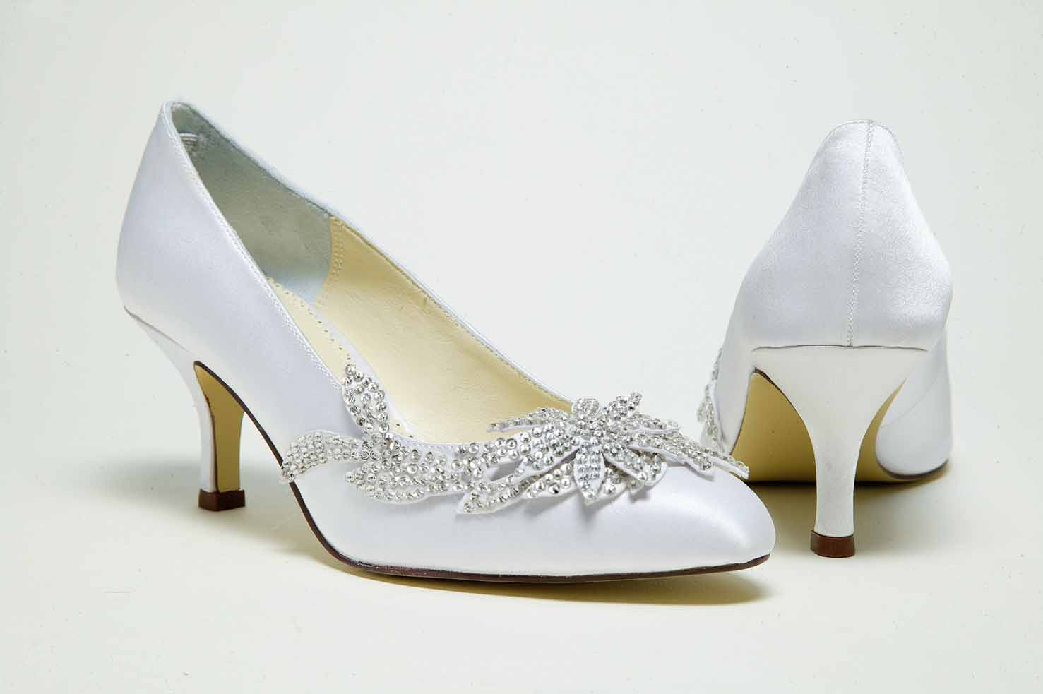 silver bridal shoes low heel photo - 1