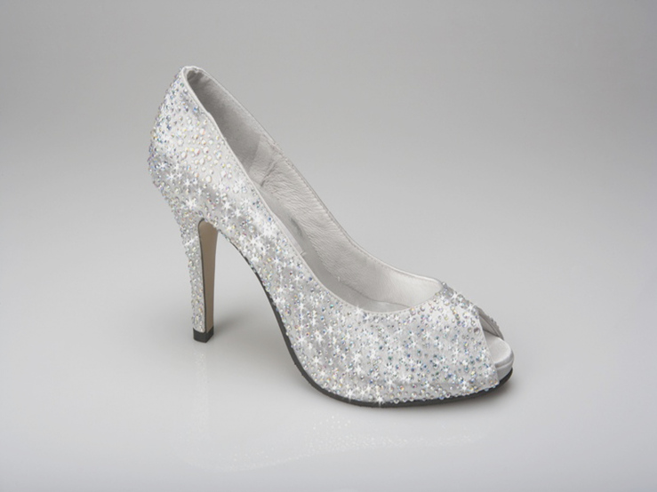 silver bridal shoes with rhinestones photo - 1