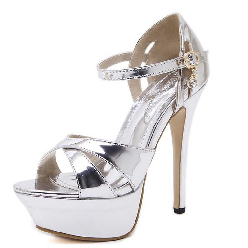silver pumps shoes for wedding photo - 1