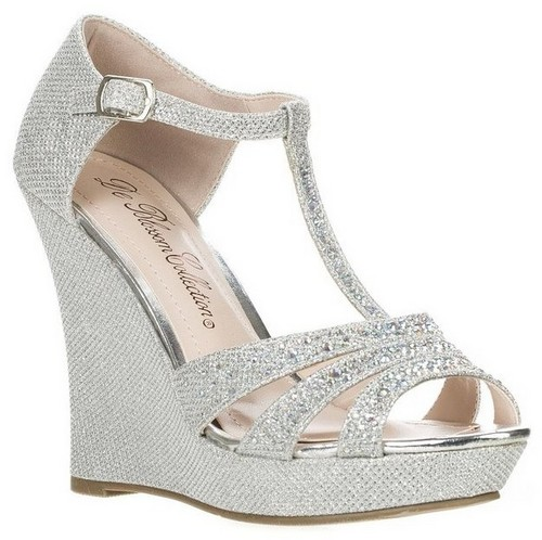 silver shoes for a wedding photo - 1