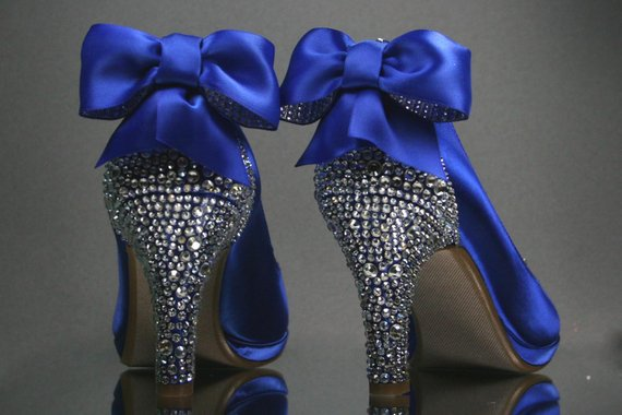 silver wedding shoes with rhinestones photo - 1