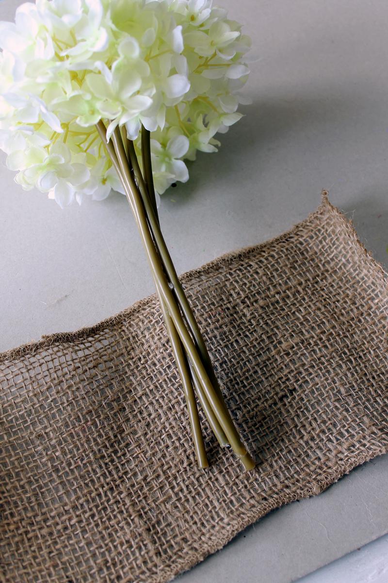 simple bridal bouquets photo - 1
