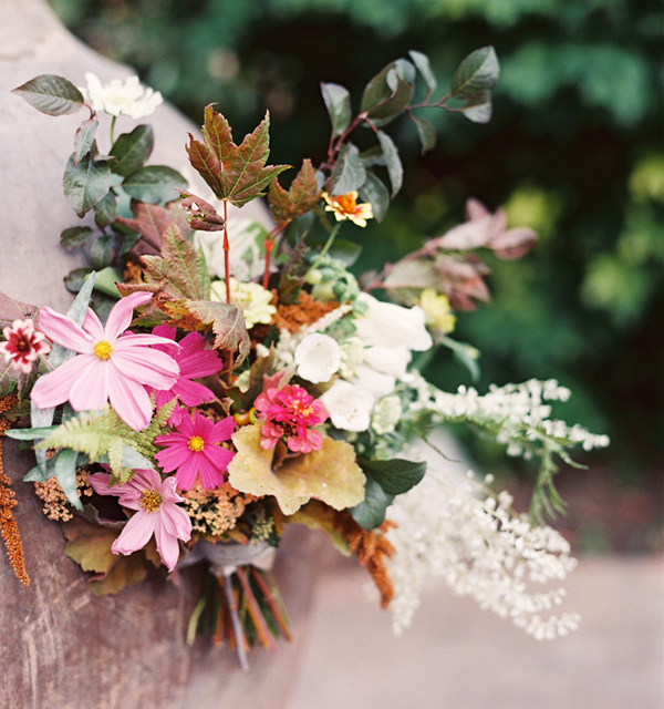 simple fall wedding bouquets photo - 1