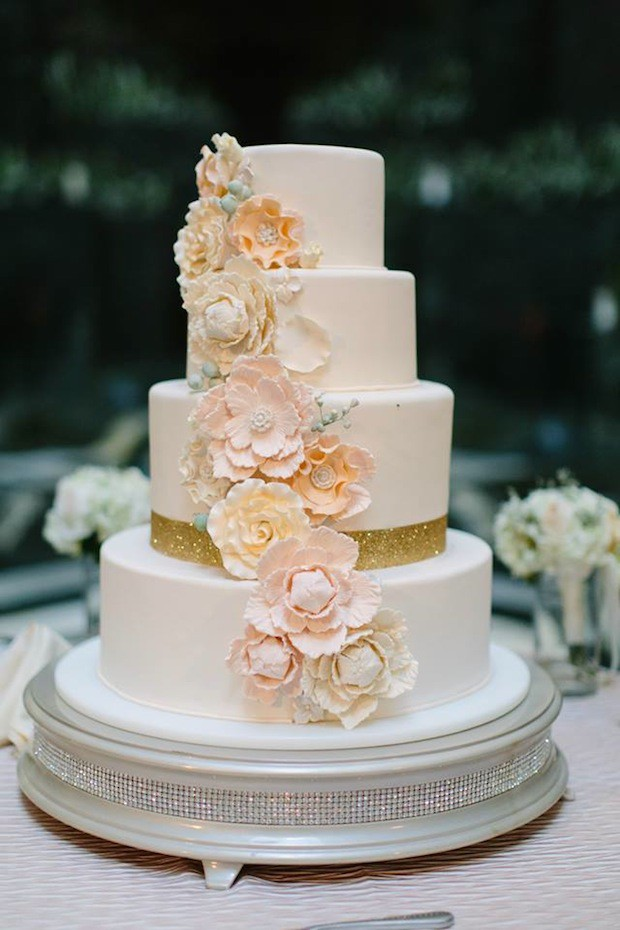 simple wedding cakes with flowers photo - 1