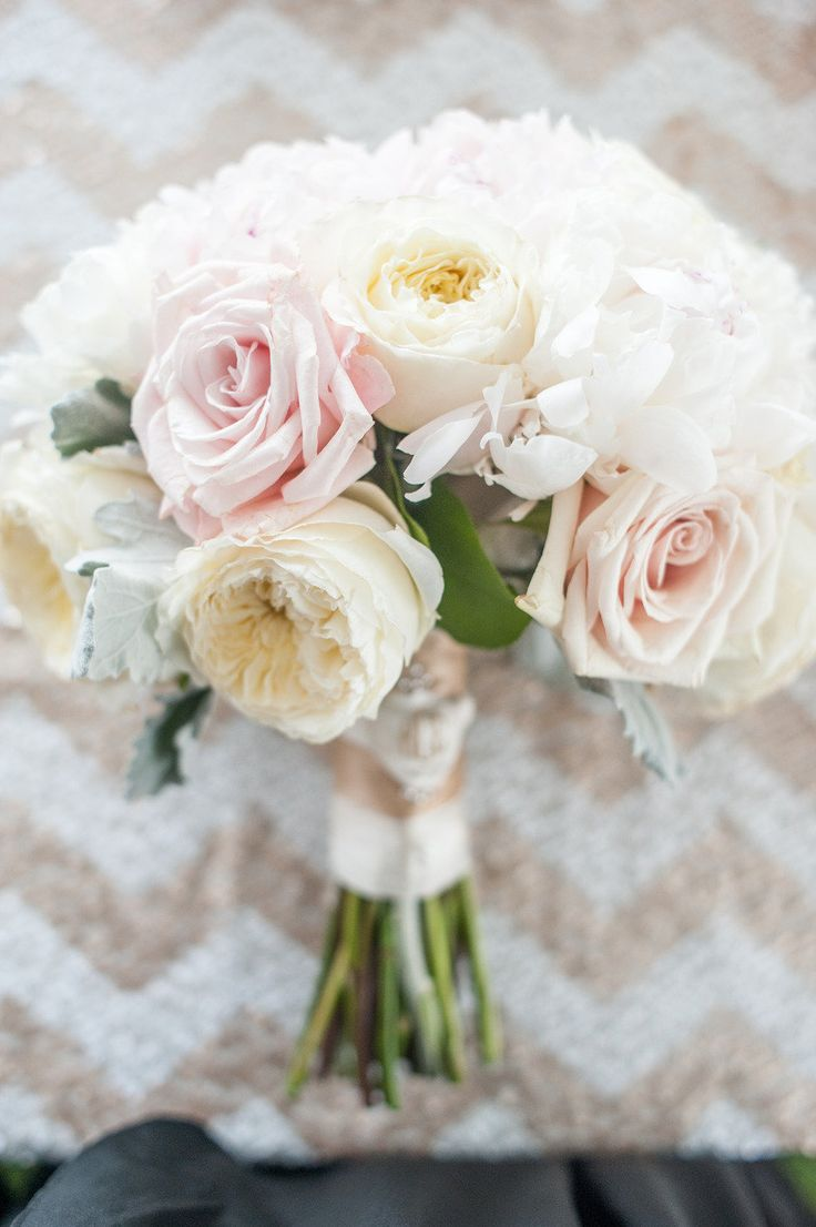 spring wedding bouquets photo - 1