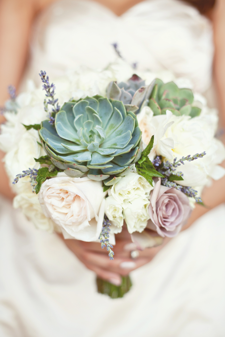 succulents in wedding bouquets photo - 1