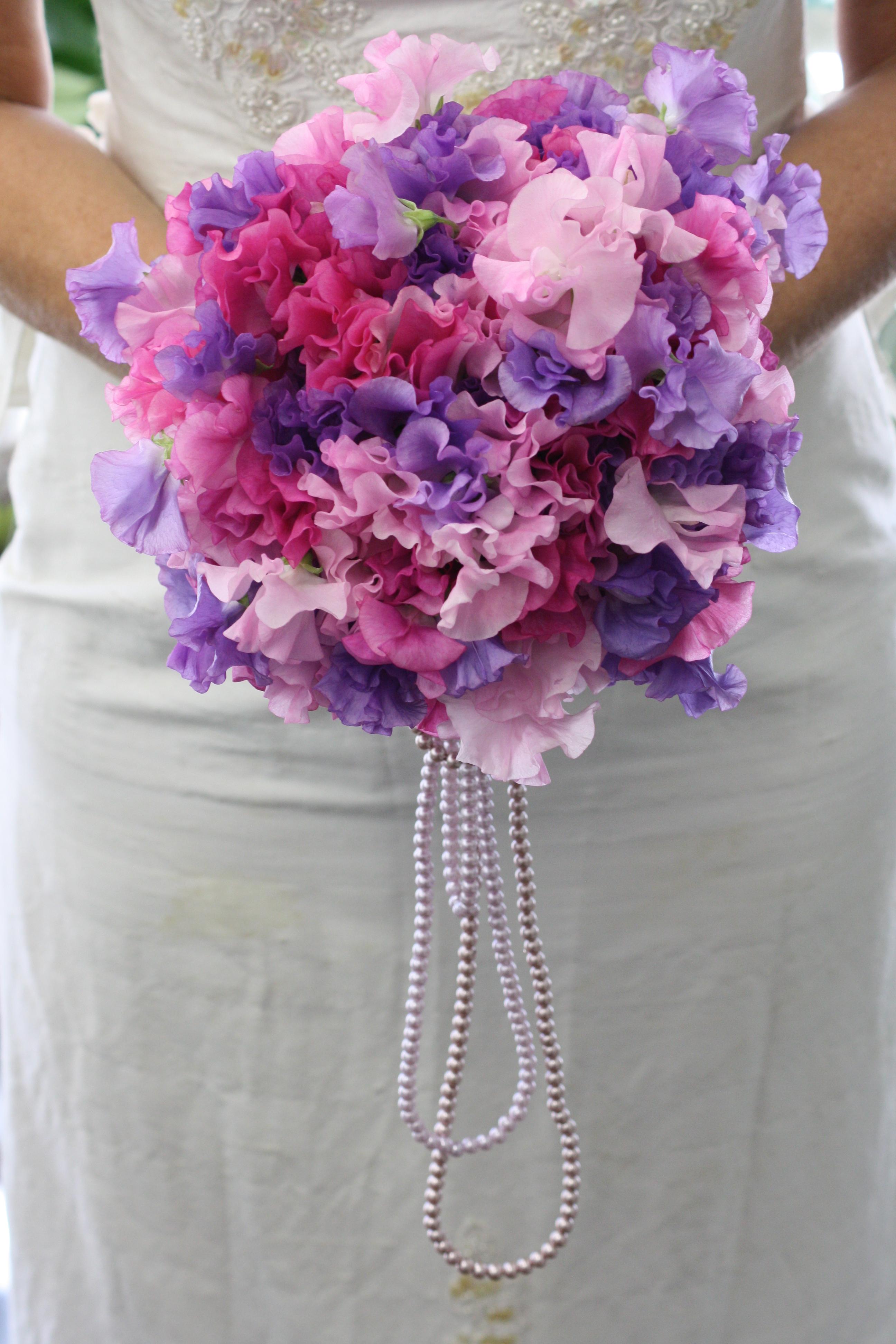 sweet pea wedding bouquets photo - 1