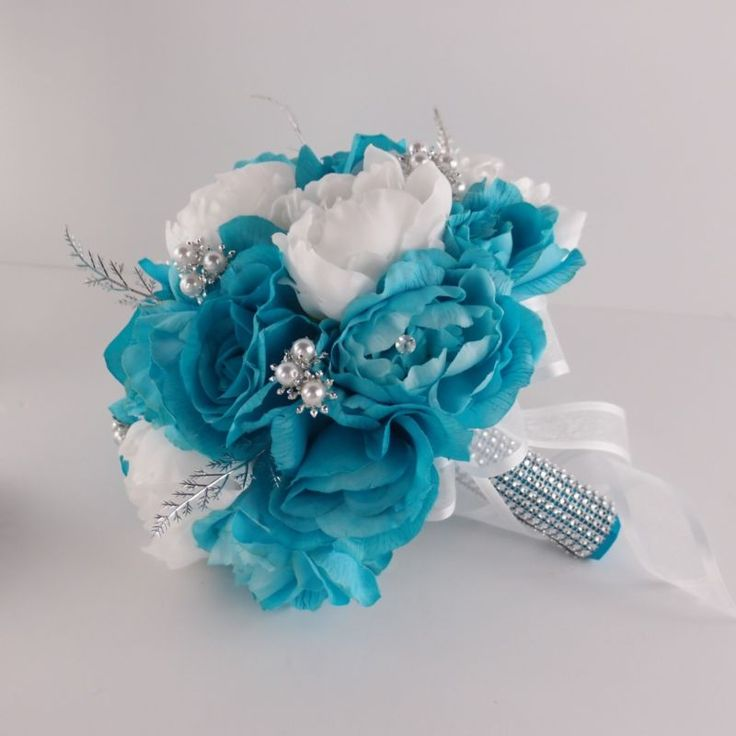 teal and white wedding bouquets photo - 1