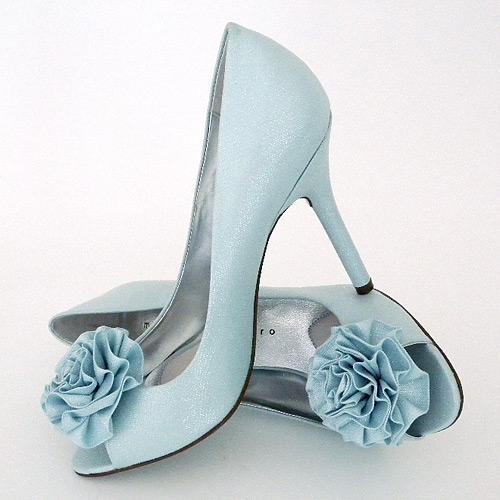 tiffany blue shoes wedding photo - 1