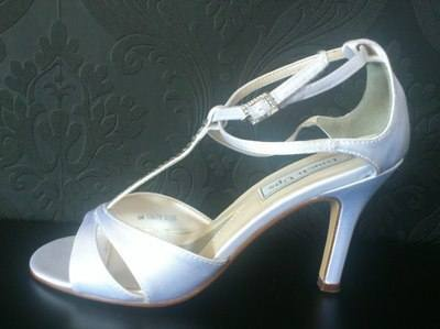 touch up wedding shoes photo - 1