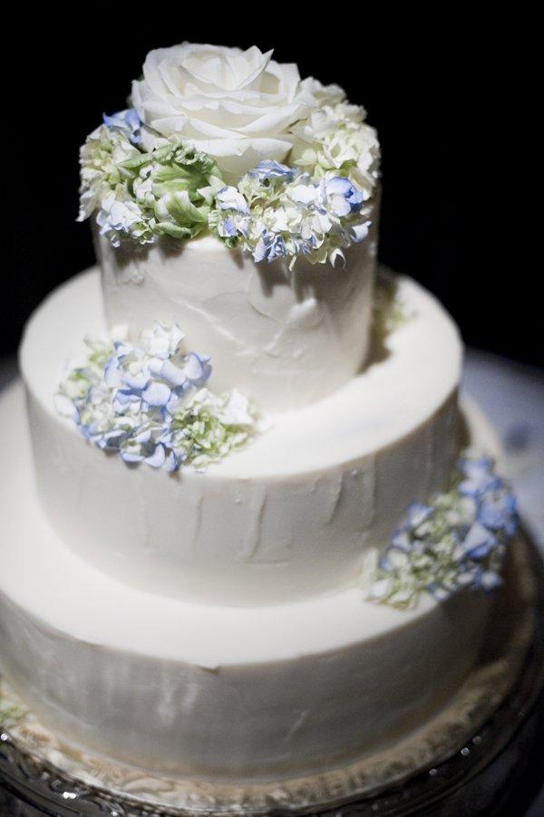 traditional wedding flowers photo - 1