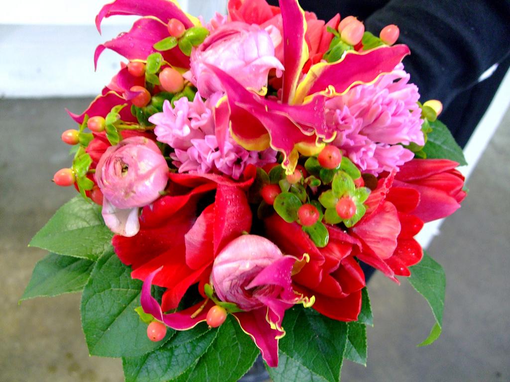 tropical wedding flowers photo - 1
