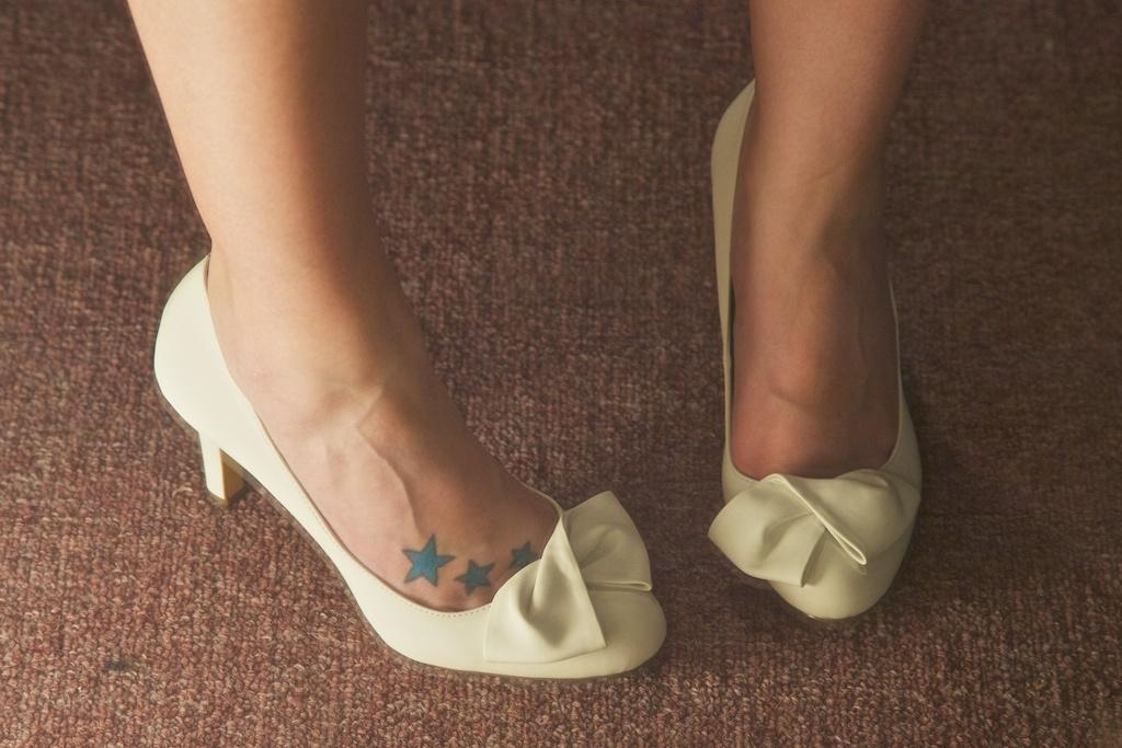 ugly wedding shoes photo - 1