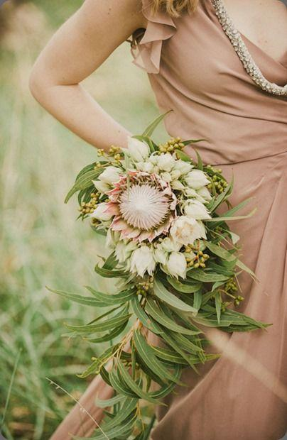 unusual wedding bouquets photo - 1