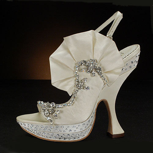 unusual wedding shoes photo - 1