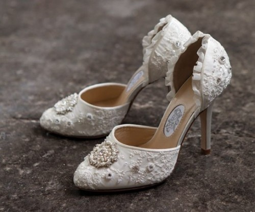vintage inspired bridal shoes photo - 1