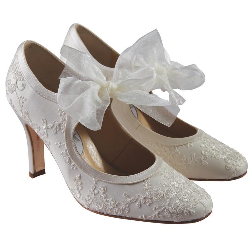 vintage looking wedding shoes photo - 1