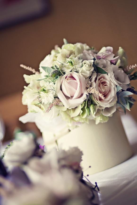 vintage wedding bouquets photo - 1